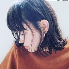大人かわいい 暗髪 ウェットヘア ミディアム ヘアスタイルや髪型の写真・画像