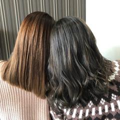 ナチュラル グレーアッシュ ミルクティーベージュ アッシュグレー ヘアスタイルや髪型の写真・画像