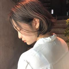 ミニボブ 切りっぱなしボブ 前髪 ナチュラル ヘアスタイルや髪型の写真・画像