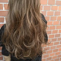 ハイライト アッシュ ロング レイヤーカット ヘアスタイルや髪型の写真・画像