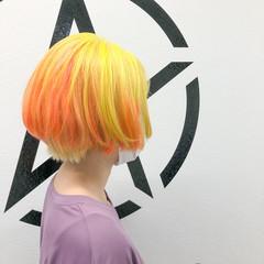 ショート ホワイトブリーチ ストリート ブリーチ ヘアスタイルや髪型の写真・画像