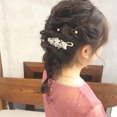 ガーリー お呼ばれヘア 結婚式ヘアアレンジ セミロング ヘアスタイルや髪型の写真・画像
