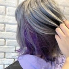 ミディアム ガーリー インナーカラーグレージュ インナーカラーパープル ヘアスタイルや髪型の写真・画像