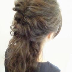ヘアアレンジ ロープ編み 波ウェーブ ロング ヘアスタイルや髪型の写真・画像