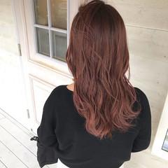 ピンクベージュ ロング ロングヘア フェミニン ヘアスタイルや髪型の写真・画像