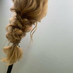 ヘアアレンジ フェミニン 編みおろしヘア 編みおろし ヘアスタイルや髪型の写真・画像