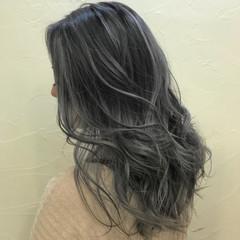 外国人風カラー ハイライト エレガント グレージュ ヘアスタイルや髪型の写真・画像