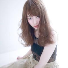 フェミニン アンニュイ 外国人風 ウェーブ ヘアスタイルや髪型の写真・画像