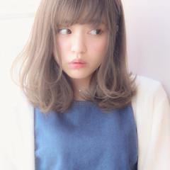 色気 フェミニン ミディアム 前髪あり ヘアスタイルや髪型の写真・画像