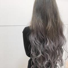 ロング ラベンダーアッシュ エレガント 上品 ヘアスタイルや髪型の写真・画像