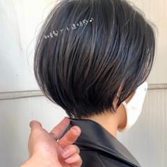 デートヘア 暗髪 ショート フェミニン ヘアスタイルや髪型の写真・画像