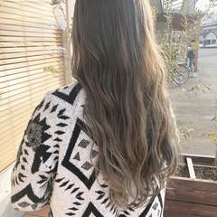 上品 ロング イルミナカラー バレイヤージュ ヘアスタイルや髪型の写真・画像