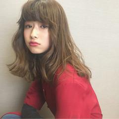 セミロング デート 冬 ゆるふわ ヘアスタイルや髪型の写真・画像