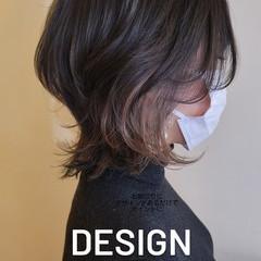 インナーカラー ショート ウルフカット フェミニン ヘアスタイルや髪型の写真・画像