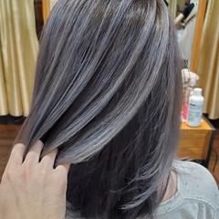 セミロング グラデーションカラー コントラストハイライト フェミニン ヘアスタイルや髪型の写真・画像