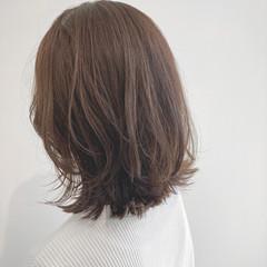 ミディアム デジタルパーマ アンニュイほつれヘア 似合わせカット ヘアスタイルや髪型の写真・画像