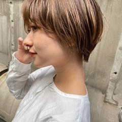 ショートボブ ハイトーンカラー ショートヘア ナチュラル ヘアスタイルや髪型の写真・画像
