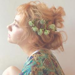セミロング 外国人風 ナチュラル 花 ヘアスタイルや髪型の写真・画像