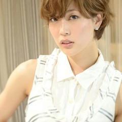 パーマ ショート 外国人風 大人女子 ヘアスタイルや髪型の写真・画像