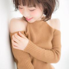 大人女子 小顔 ゆるふわ パーマ ヘアスタイルや髪型の写真・画像