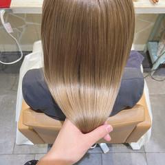 ナチュラル ロング ヘアカラー ブリーチ ヘアスタイルや髪型の写真・画像