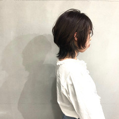 ミディアムレイヤー ナチュラル ミディアム アッシュベージュ ヘアスタイルや髪型の写真・画像