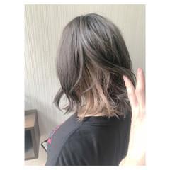アンニュイほつれヘア インナーカラー フェミニン グレージュ ヘアスタイルや髪型の写真・画像