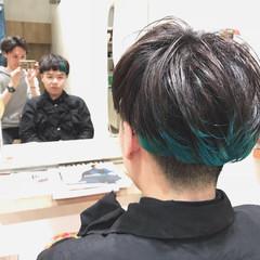 ハイトーン 個性的 ショート グリーン ヘアスタイルや髪型の写真・画像