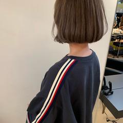 アンニュイほつれヘア アウトドア 大人かわいい ナチュラル ヘアスタイルや髪型の写真・画像