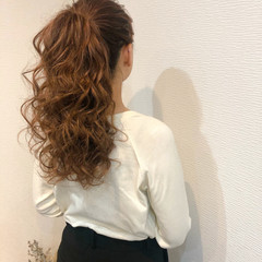 フェミニン ヘアアレンジ ポニーテールアレンジ 結婚式 ヘアスタイルや髪型の写真・画像