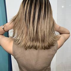 外国人風カラー ナチュラル ハイライト ミルクティーベージュ ヘアスタイルや髪型の写真・画像