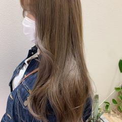 ロング ナチュラル ブラウンベージュ ナチュラルベージュ ヘアスタイルや髪型の写真・画像