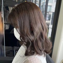 切りっぱなしボブ 透明感カラー フェミニン 透明感 ヘアスタイルや髪型の写真・画像
