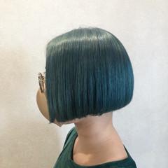 モード ボブ エメラルドグリーンカラー グリーン ヘアスタイルや髪型の写真・画像