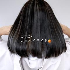 フェミニン 大人ハイライト 極細ハイライト ミディアム ヘアスタイルや髪型の写真・画像