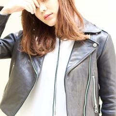 レイヤーカット アンニュイ 大人かわいい セミロング ヘアスタイルや髪型の写真・画像