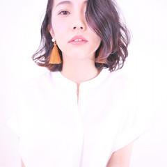 パーマ 色気 かき上げ前髪 外国人風 ヘアスタイルや髪型の写真・画像