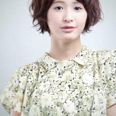 ショート ゆるふわ ガーリー 外国人風 ヘアスタイルや髪型の写真・画像