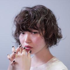 小顔 ショート ウェットヘア 似合わせ ヘアスタイルや髪型の写真・画像