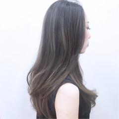 アッシュ ハイライト モード フェミニン ヘアスタイルや髪型の写真・画像