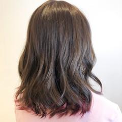グラデーションカラー ミディアム ベリーピンク ピンク ヘアスタイルや髪型の写真・画像