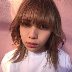 パーマ ミルクティー アッシュ マッシュ ヘアスタイルや髪型の写真・画像