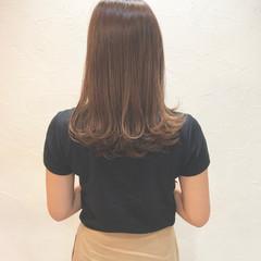 グレージュ 愛され オフィス フェミニン ヘアスタイルや髪型の写真・画像