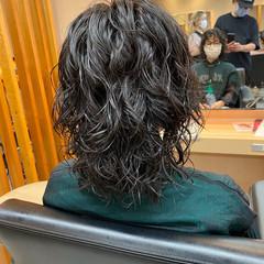 ウルフカット ミディアム 前髪パーマ パーマ ヘアスタイルや髪型の写真・画像
