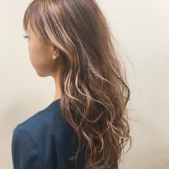 ガーリー ハイライト ゆるふわ キュート ヘアスタイルや髪型の写真・画像
