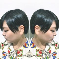 ショート アッシュ オリーブアッシュ グレージュ ヘアスタイルや髪型の写真・画像