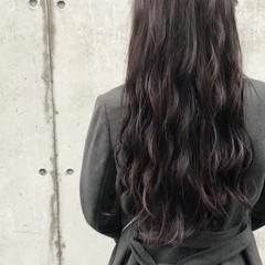 アンニュイほつれヘア グレージュ ロング ナチュラル ヘアスタイルや髪型の写真・画像