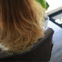 ベージュ ストリート ダブルカラー アッシュグラデーション ヘアスタイルや髪型の写真・画像