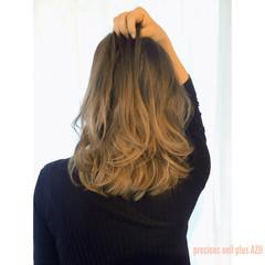 ブルーアッシュ グラデーションカラー 大人かわいい グレージュ ヘアスタイルや髪型の写真・画像