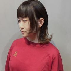 ストリート アッシュベージュ ウルフカット インナーカラー ヘアスタイルや髪型の写真・画像
